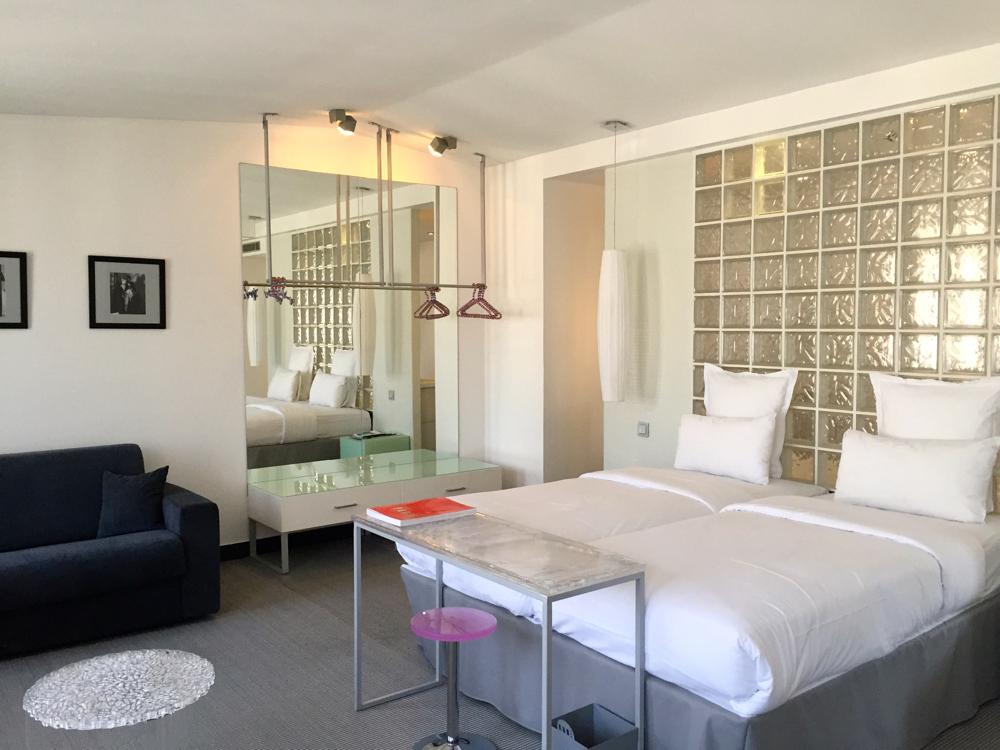 kube hotel paris avis de mademois 39 ailes coco. Black Bedroom Furniture Sets. Home Design Ideas